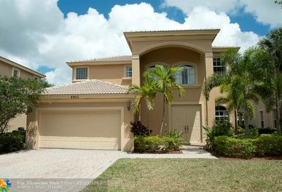 4952 Cypress Ln Coconut Creek FL 33073