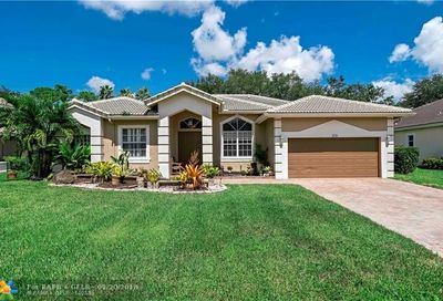 5742 NW 50th Dr Coral Springs FL 33067