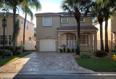 541 NW 87th Way Coral Springs FL 33071