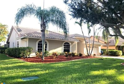 10470 NW 48th Pl Coral Springs FL 33076
