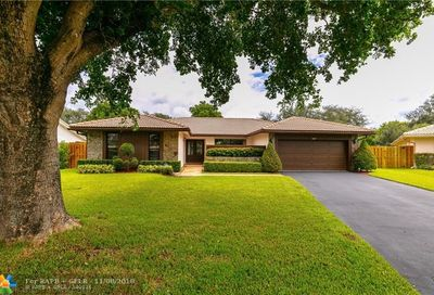 337 NW 97th Ln Coral Springs FL 33071