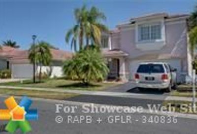 60 Gables Blvd Weston FL 33326