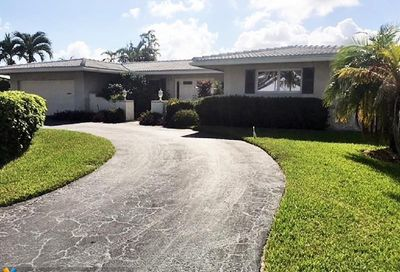 5581 Bayview Dr Fort Lauderdale FL 33308