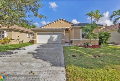 12127 NW 57th St Coral Springs FL 33076