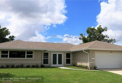 4803 Holly Dr Tamarac FL 33319