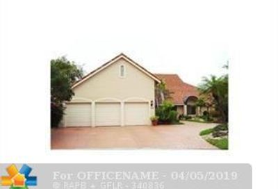 8655 Banyan Way Tamarac FL 33321