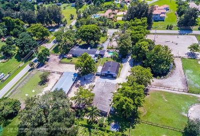 13901 SW 26th St Davie FL 33325
