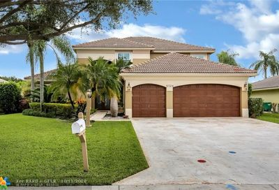 5724 NW 50th St Coral Springs FL 33067