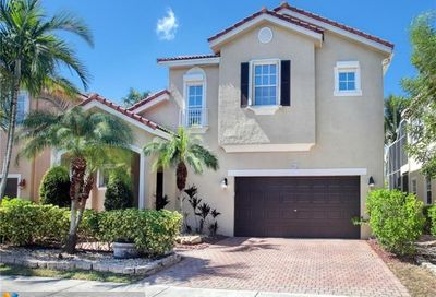 912 NW 127th Ave Coral Springs FL 33071