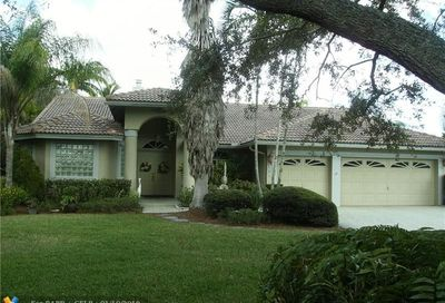 9701 NW 52 Manor Coral Springs FL 33076