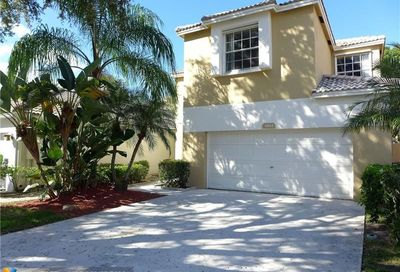 5861 Eagle Cay Ln Coconut Creek FL 33073