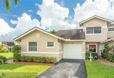 5086 W Lakes Dr Deerfield Beach FL 33442