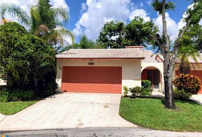 5518 Dogwood Way Tamarac FL 33319