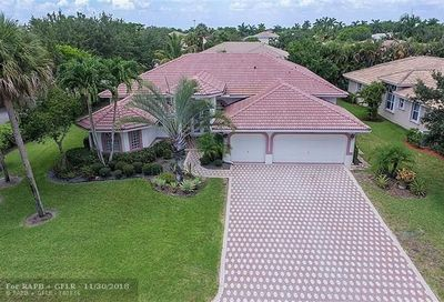 5192 Kensington Cir Coral Springs FL 33076