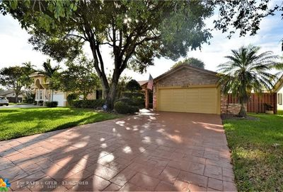 10618 NW 7th Pl Coral Springs FL 33071