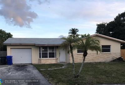 862 SW 68th Ave North Lauderdale FL 33068