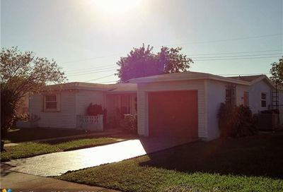 4267 NW 37th Ter Lauderdale Lakes FL 33309
