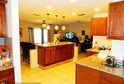 3144 NW 40th St Lauderdale Lakes FL 33309