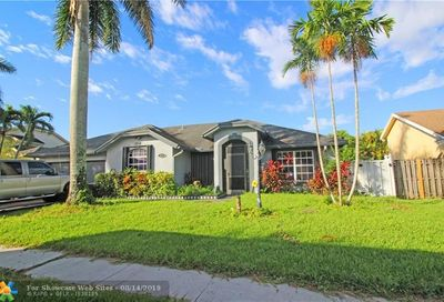 913 SW 149th Way Sunrise FL 33326