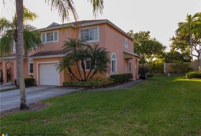 1335 SW 48th Ter Deerfield Beach FL 33442