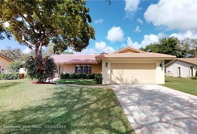 10419 NW 2nd St Coral Springs FL 33071