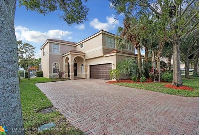 5837 NW 49th Ln Coconut Creek FL 33073