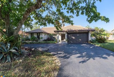 1648 NW 97th Ter Coral Springs FL 33071