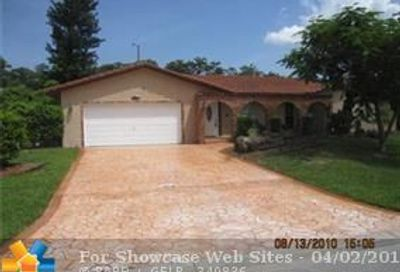 1377 NW 87th Te Coral Springs FL 33071