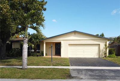 1737 NW 36th Ct Oakland Park FL 33309