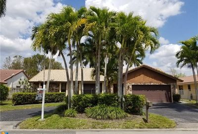 6631 NW 52nd St Coral Springs FL 33067
