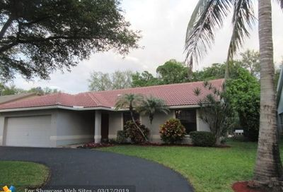 5215 NW 98th Ter Coral Springs FL 33076