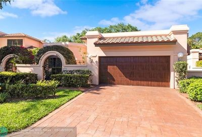 555 Via Genova Deerfield Beach FL 33442