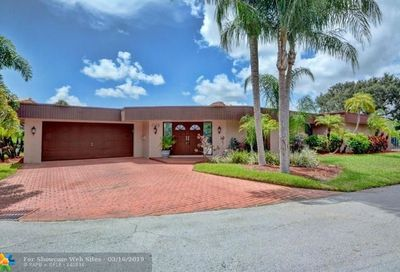 5712 S Travelers Palm Lane Tamarac FL 33319