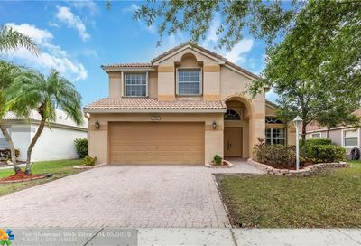 1551 NW 132nd Ave Pembroke Pines FL 33028
