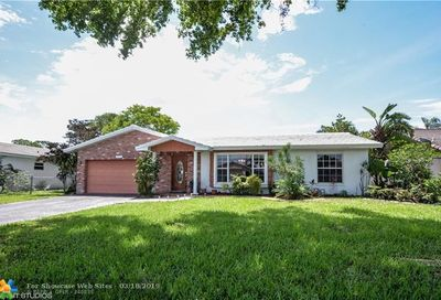 1962 NW 85th Dr Coral Springs FL 33071