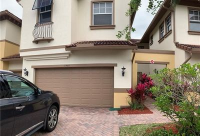 5944 NW 117th Dr Coral Springs FL 33076