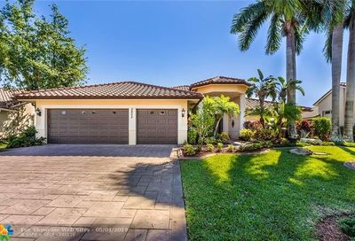 5405 NW 108th Way Coral Springs FL 33076