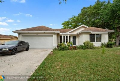 2484 NW 95th Ave Coral Springs FL 33065