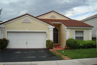 14021 Oak Ridge Dr Davie FL 33325