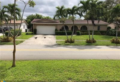 4080 NW Lake Dr Coconut Creek FL 33066