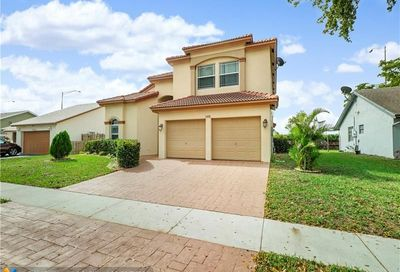 5418 NW 56th Ct Tamarac FL 33319