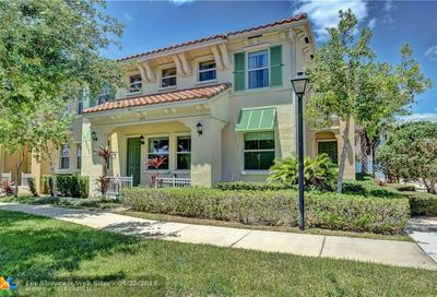 4395 Cascada Cir Hollywood FL 33024