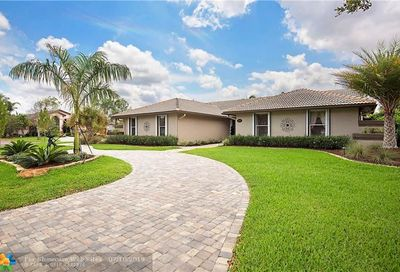 5414 NW 87th Ter Coral Springs FL 33067