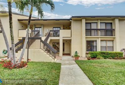 1977 SW 15th St Deerfield Beach FL 33442