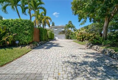 2517 Bayview Dr Fort Lauderdale FL 33305