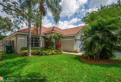 2669 Oak Park Cir Davie FL 33328