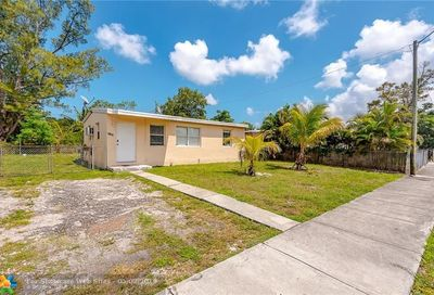 3731 SW 45th Ter West Park FL 33023