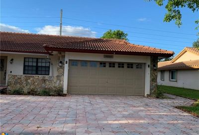 9066 NW 47th Ct Coral Springs FL 33067