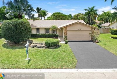 10922 NW 20th Dr Coral Springs FL 33071