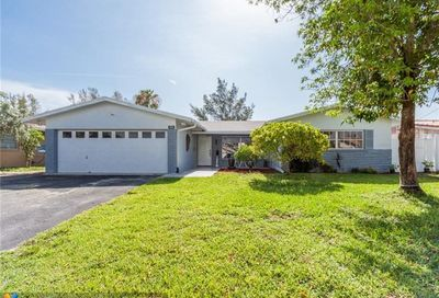 944 SE 10th Ct Pompano Beach FL 33060